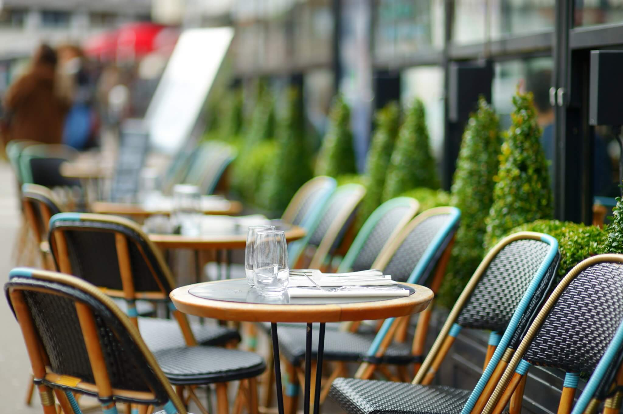 Robert Botkai features in Forecourt Trader discussing the Business and Planning Bill and the relaxation of laws around outside tables and chairs and alcohol off sales